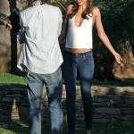 ミランダ・カー、写真撮影中の姿をキャッチ