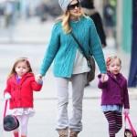 サラ・ジェシカ・パーカー、双子の娘たちを学校へ