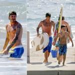 デビッド・ベッカム、3人の息子たちとビーチでサーフィン!