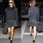 ヴィクトリア・ベッカム、黒Tシャツ×チェック柄フレアスカートで空港へ