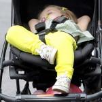 ベッカムの愛娘ハーパーちゃん、ベビーカーで爆睡!可愛すぎる!