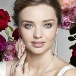ミランダ・カー、『スワロフスキー』の広告キャンペーンモデルに!