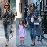 サラ・ジェシカ・パーカー、双子の娘ちゃんと学校へ