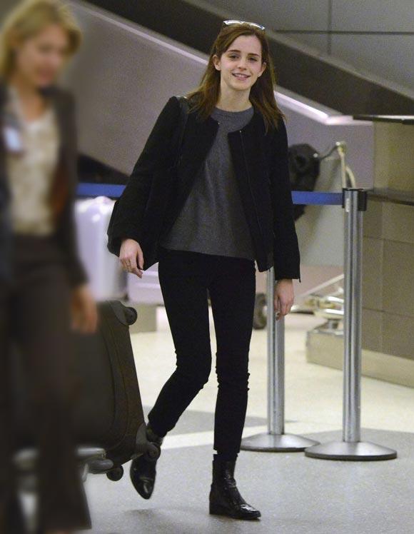 Emma_Watson_at_LAX2