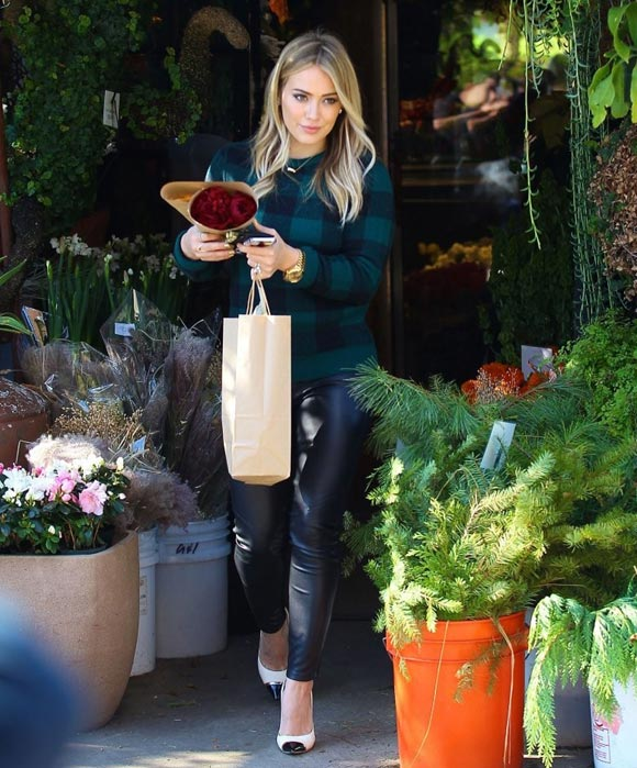 Hilary-Duff-Thanksgiving2