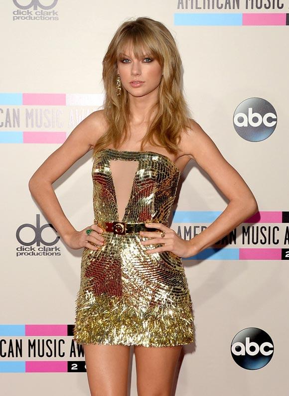 Taylor-Swift-AMA2013-3