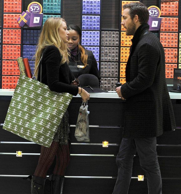 blake-lively-ryan-reynolds-shop2