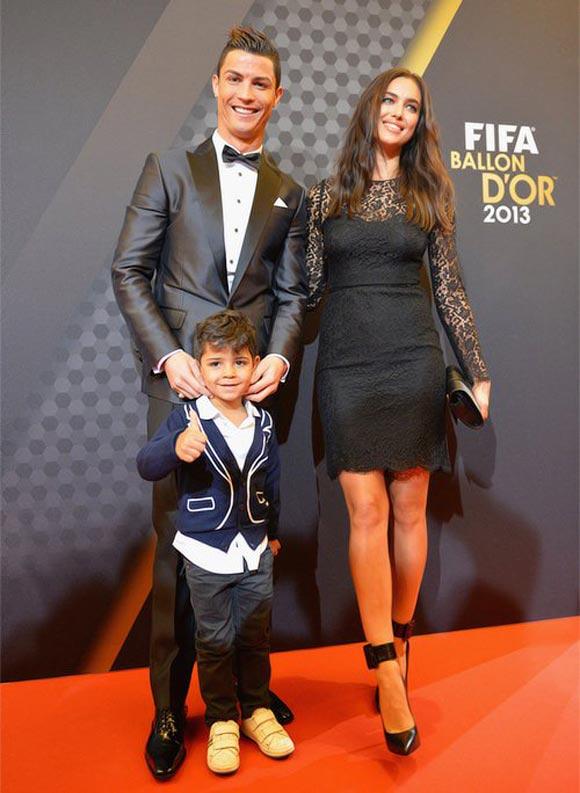 Ronaldo-son-shayk-Ballon-dOr-2013