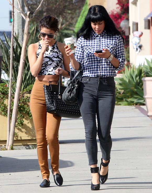 Selena-Gomez20140128-2