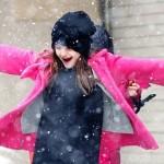 スリ・クルーズ、可愛い★雪で大興奮!