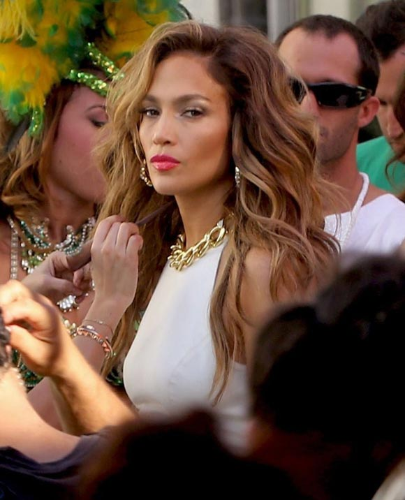 Jennifer-Lopez-Pitbull-FIFA-World-Cup-MV-05
