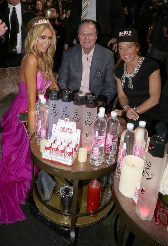 Paris-Hilton-DJs-Birthday-06