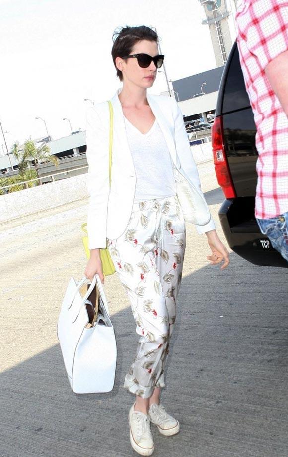 Anne-Hathaway-20140305-01