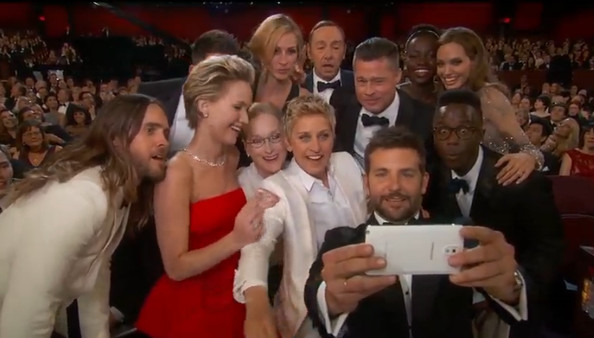 Ellens-Epic-Oscar Selfie-twitter-01