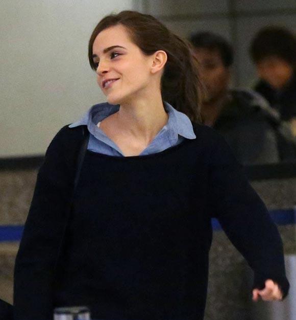 Emma-Watson-airport-03
