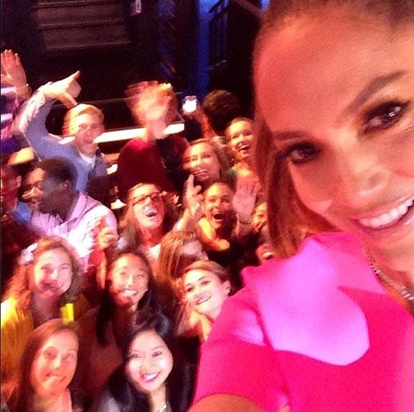 Jennifer-Lopez-sns