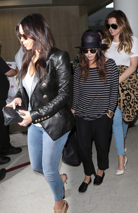 Kardashian-sisters-02