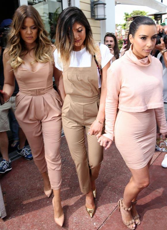 Kim-Kardashian-Sisters-01