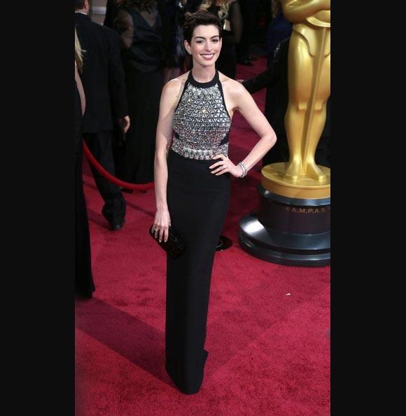 Oscars 2014 - Anne-Hathaway