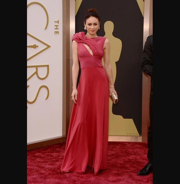 Oscars-2014-Olga-Kurylenko