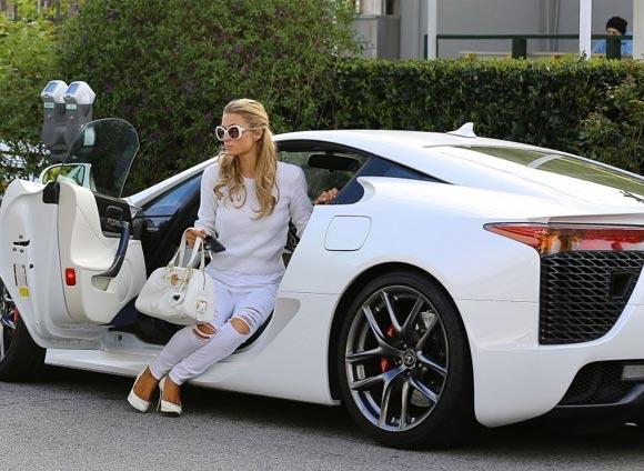 Paris-Hilton-lexus