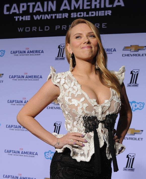 Scarlett-Johansson-Captain-America-03
