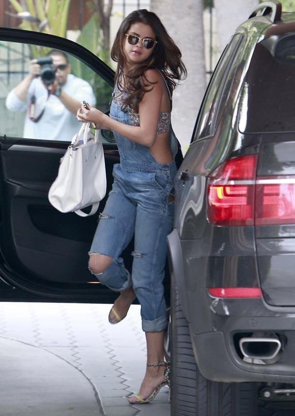 Selena-Gomez-2014-fashion-01