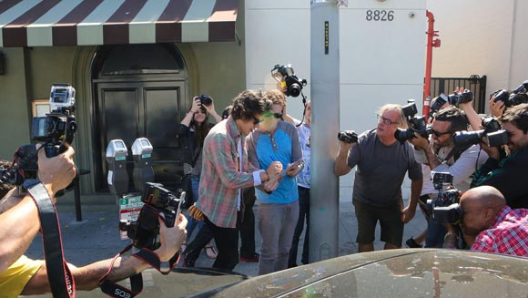 harry-styles-lunches-LA-03
