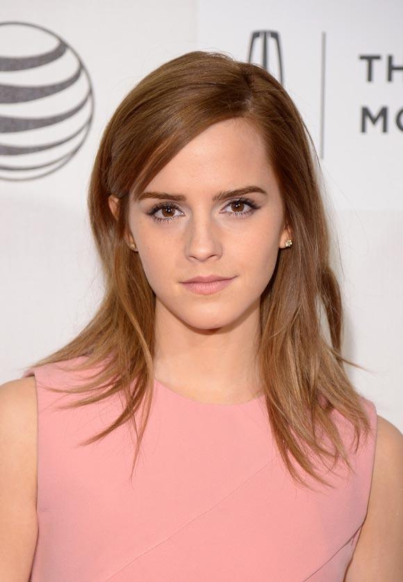Emma-Watson-Boulevard-Premieres-03