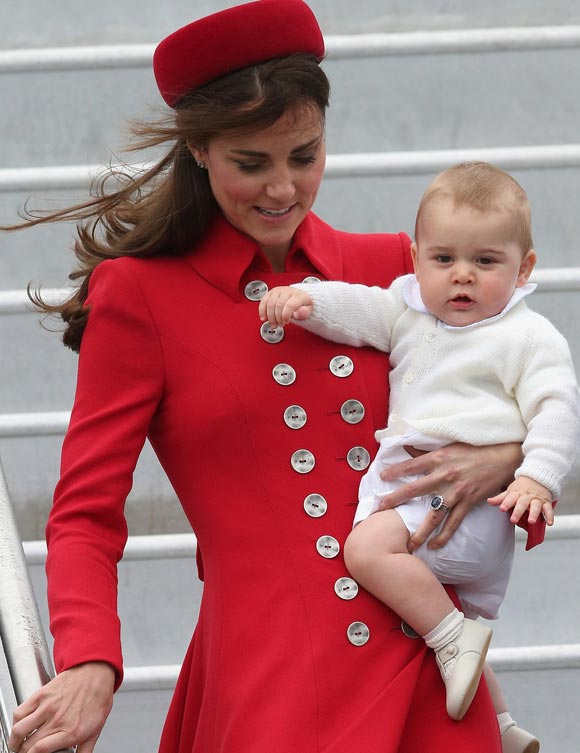 kate-middleton-prince-george-02