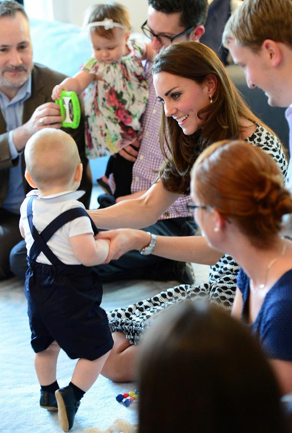 kate-middleton-prince-george-2014-03