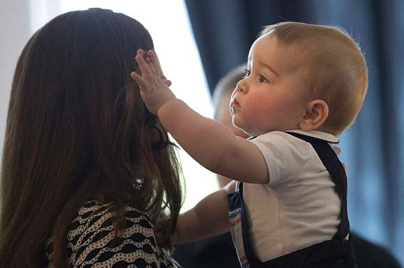 kate-middleton-prince-george-2014-04