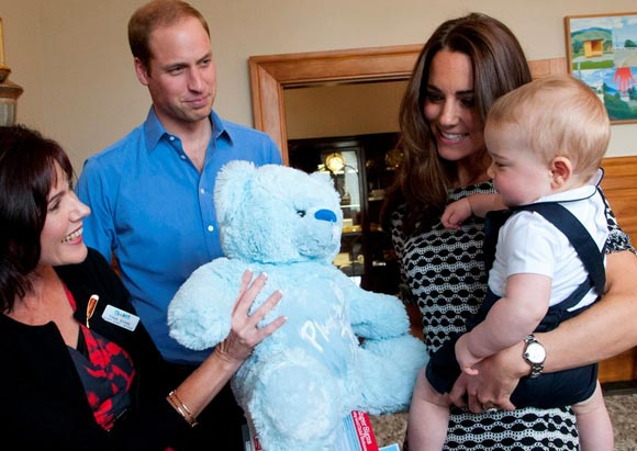 kate-middleton-prince-george-2014-06