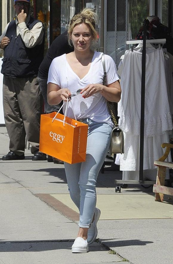 Hilary-Duff-2014-outfits-02