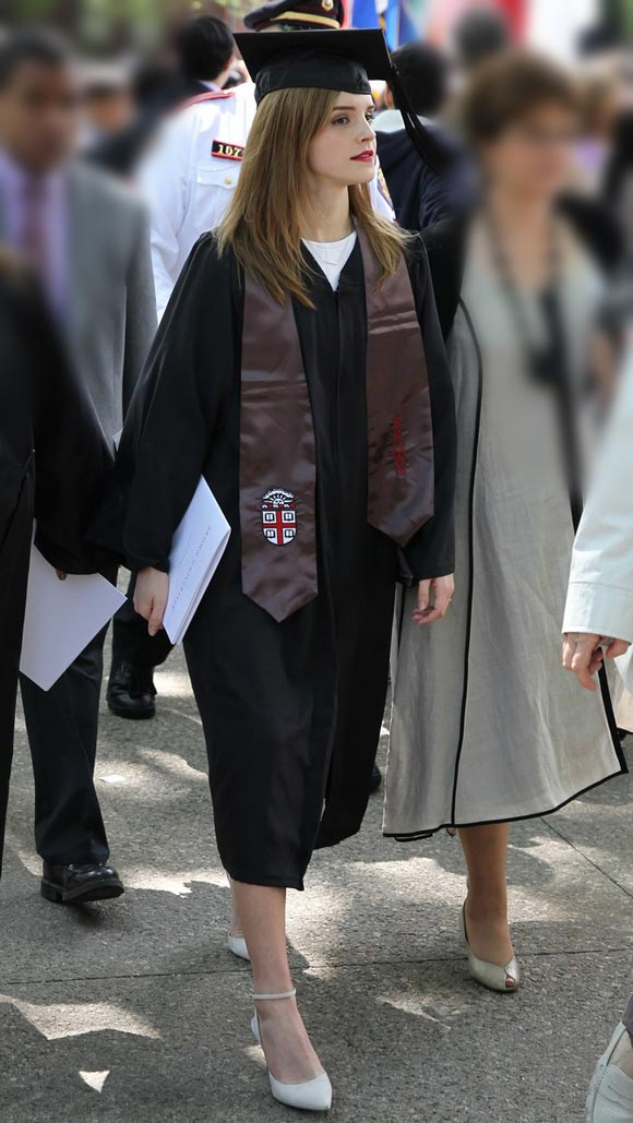 emma-watson-graduates-brown-university-02