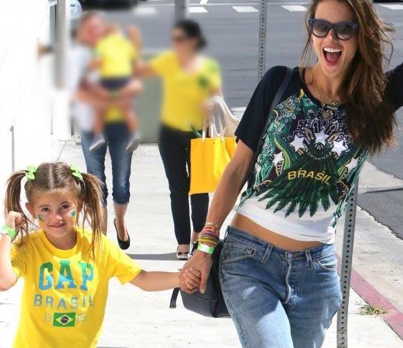 Alessandra-Ambrosio-anja-World-Cup-2014