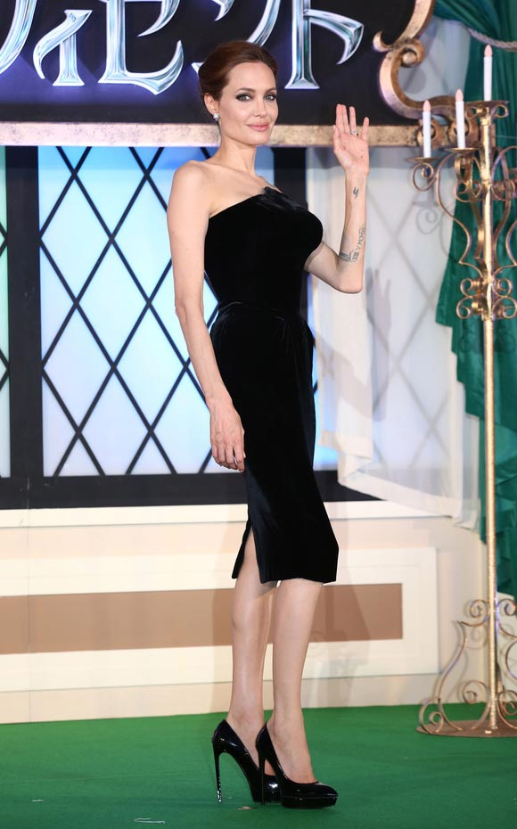 Angelina-Jolie-Maleficent-japan-02
