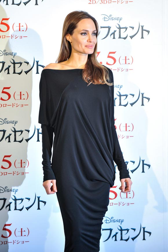 Angelina-Jolie-Maleficent-japan-2014-02