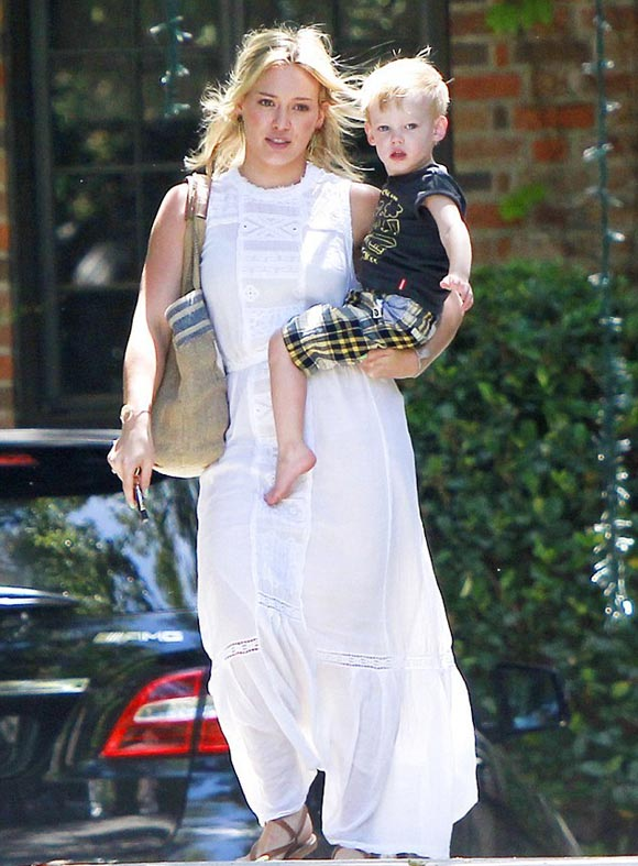 Hilary-Duff-outfit-Luca-2014-01