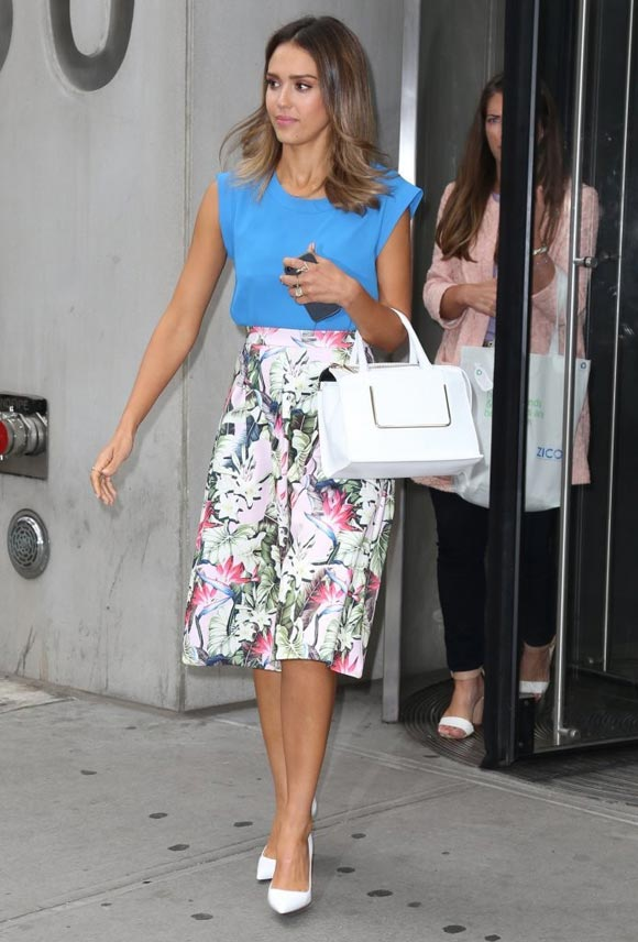 Jessica-Alba-FOX-Friends-2014-02