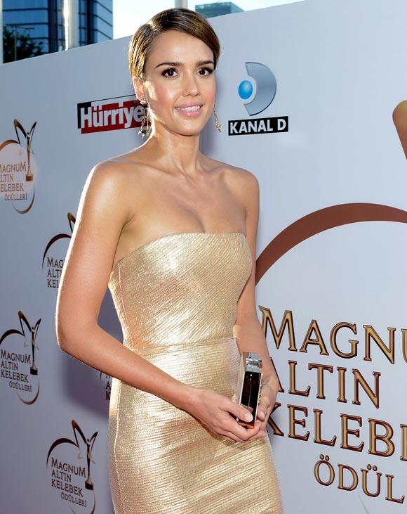 Jessica-Alba-Golden-Butterfly-Awards-01