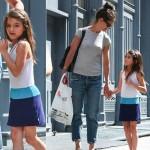 トム・クルーズの娘スリちゃん、ママとショッピングへ
