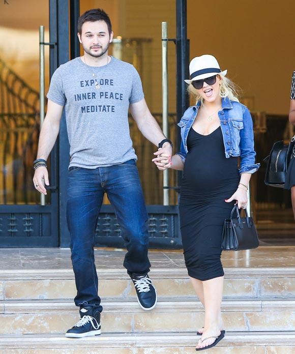 Pregnant-Christina-Aguilera-Matt-Rutler-2014-01