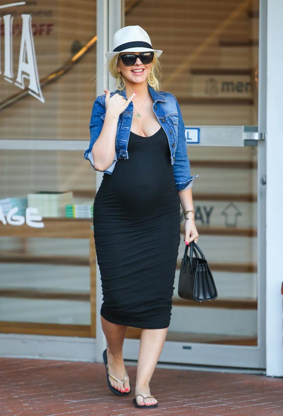 Pregnant-Christina-Aguilera-Matt-Rutler-2014-03