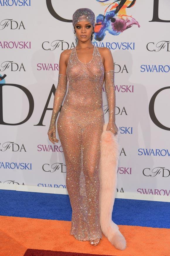Rihanna-2014-CFDA-02