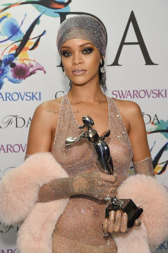 Rihanna nackt Muschi Leaks Gesamte Kollektion video