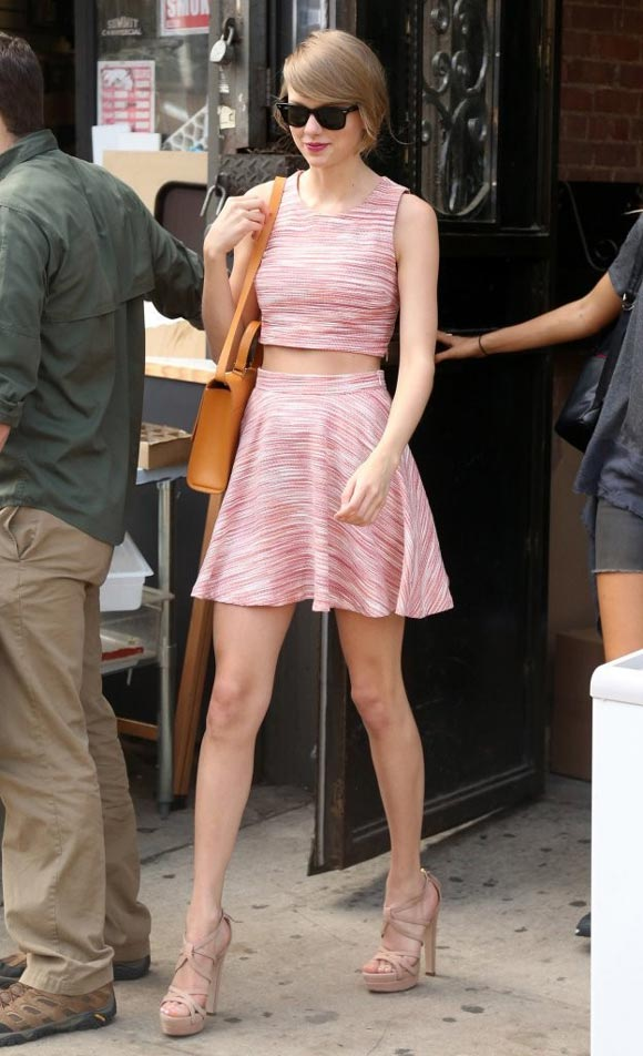 Taylor-Swift-outfit-2014-01