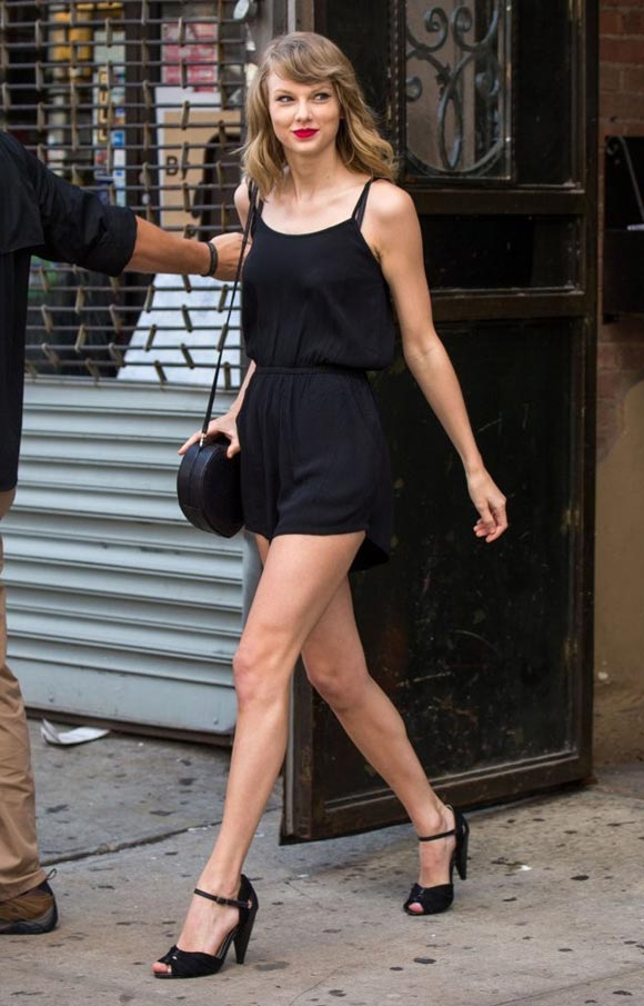 Taylor-Swift-outfit-2014-04