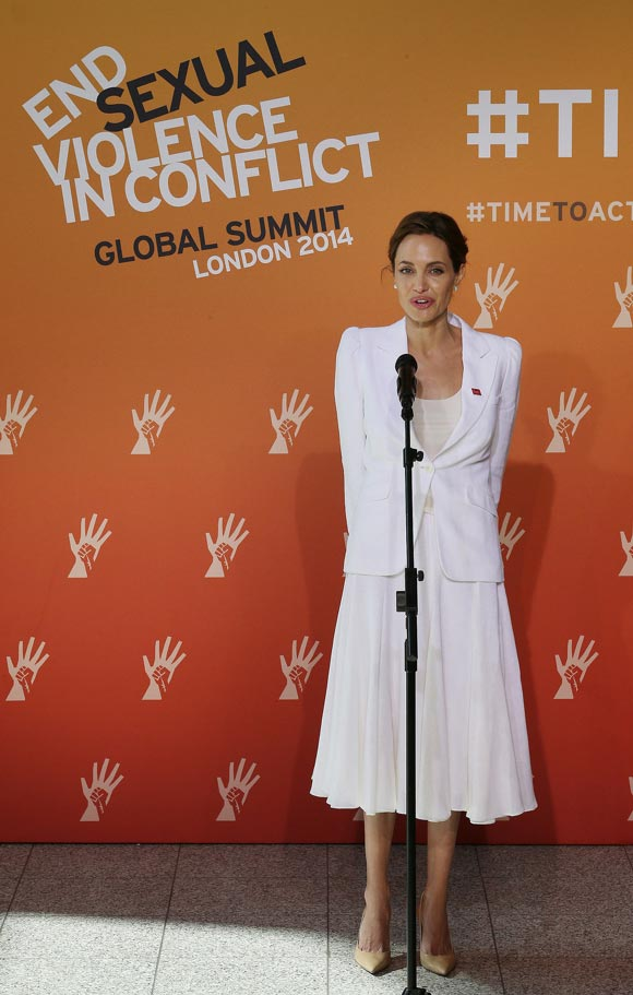 angelina-jolie-Global-Summit-End-Sexual-Violence-01
