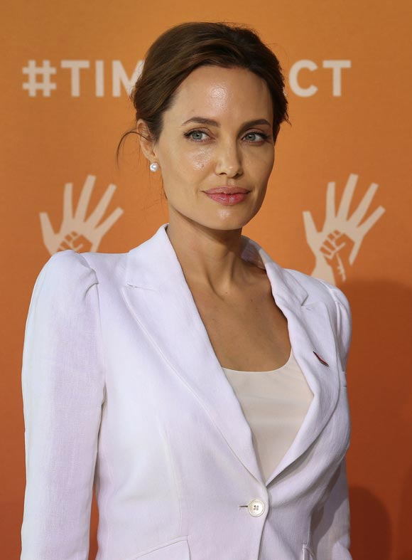 angelina-jolie-Global-Summit-End-Sexual-Violence-02